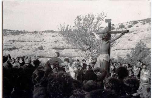 1978 Crucifixión y Levantamiento