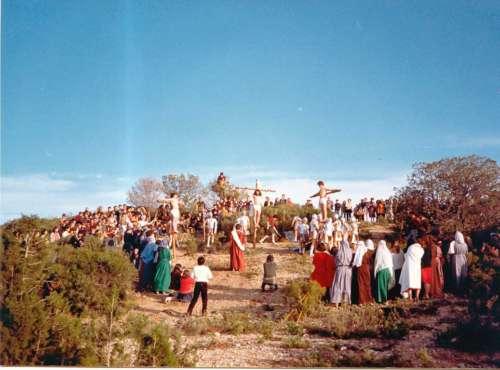19802505-crucifixion-drama-de-la-cruz-monte-calvario-alcorisa-05