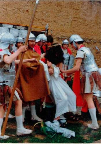 19811002-burlas-drama-de-la-cruz-monte-calvario-alcorisa-02