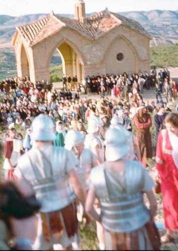 19812402-llegada-golgota-lectura-condena-drama-de-la-cruz-monte-calvario-alcorisa-02