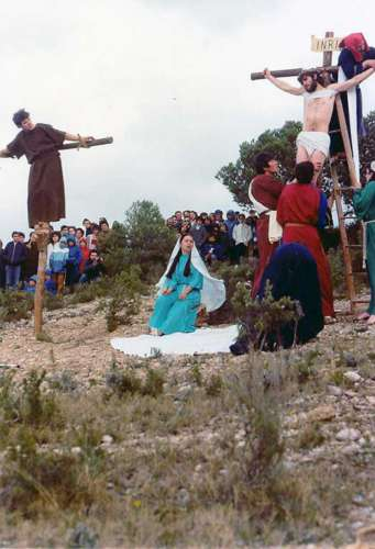 19872901-descendimiento-cristo-drama-de-la-cruz-monte-calvario-alcorisa-01