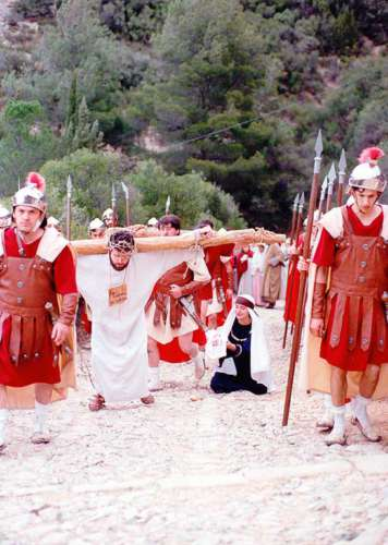 19941902-veronica-drama-de-la-cruz-monte-calvario-alcorisa-02