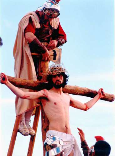 20002501-crucifixion-drama-de-la-cruz-monte-calvario-alcorisa-01