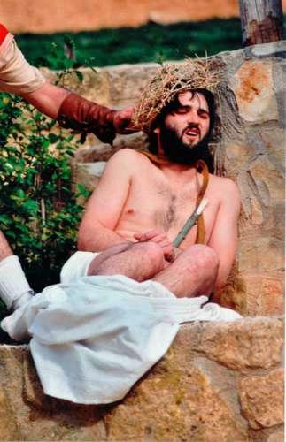 20011002-burlas-drama-de-la-cruz-monte-calvario-alcorisa-02
