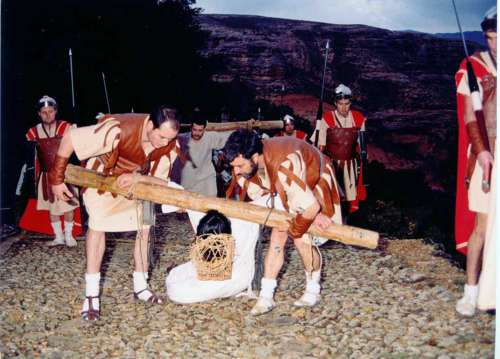 20022101-segunda-caida-drama-de-la-cruz-monte-calvario-alcorisa-01