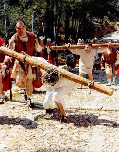 20032101-segunda-caida-drama-de-la-cruz-monte-calvario-alcorisa-01