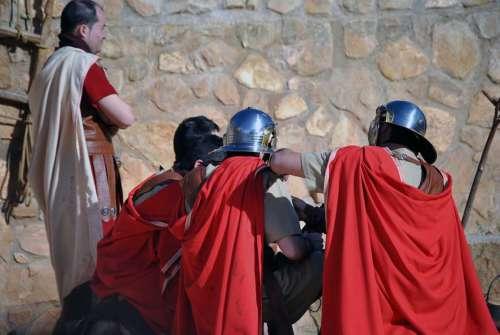 20100908-flagelacion-drama-de-la-cruz-monte-calvario-alcorisa-08