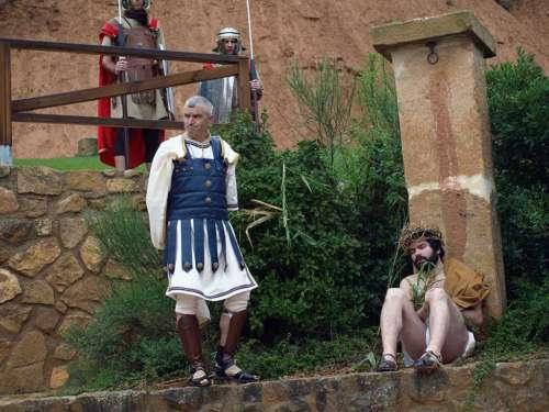 20111012-burlas-drama-de-la-cruz-monte-calvario-alcorisa-12