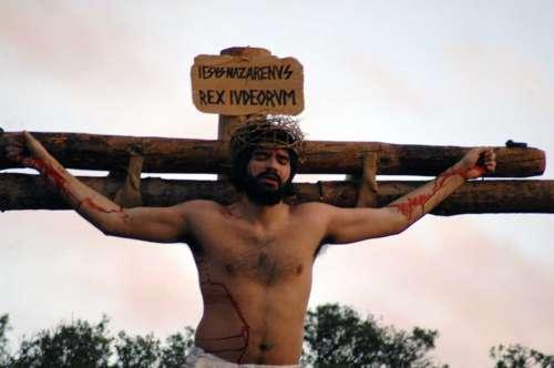 20132514-crucifixion-drama-de-la-cruz-monte-calvario-alcorisa-14