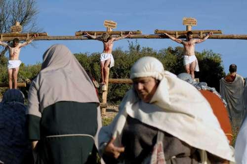 20142701-muerte-drama-de-la-cruz-monte-calvario-alcorisa-01