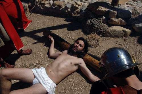 20172505-crucifixion-drama-de-la-cruz-monte-calvario-alcorisa-05